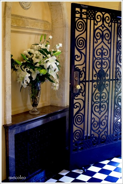 写真: 素敵なドアと床
