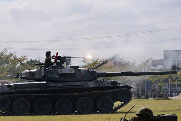 D300s_20131006_465 米子駐屯地創設記念行事 74式戦車 模擬戦闘
