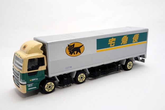 ヤマト運輸_10tトラック_001