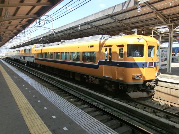 Photos: 近鉄:30000系(30210F)-01