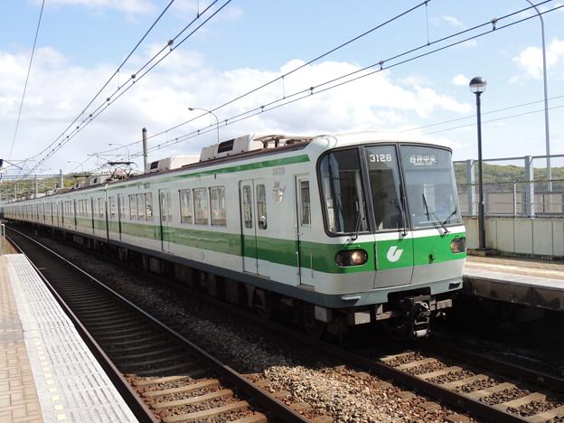 神戸市交通局3000形(3128F)-01