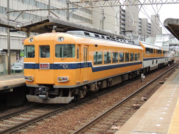 近鉄:30000系(30213F)-01