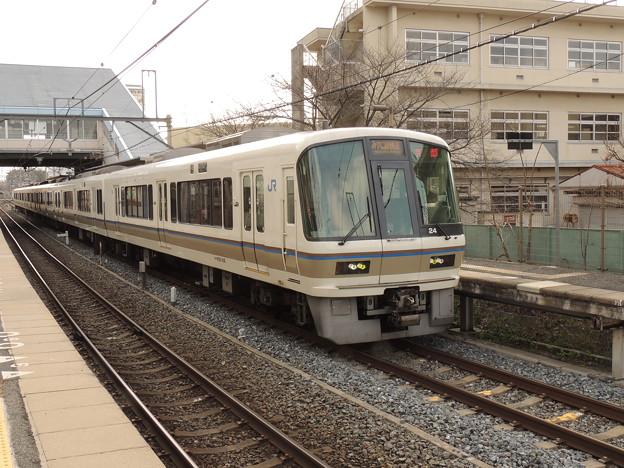 JR西日本:221系(NC604)-02