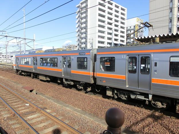 313系1300番台の優先座席シール-03