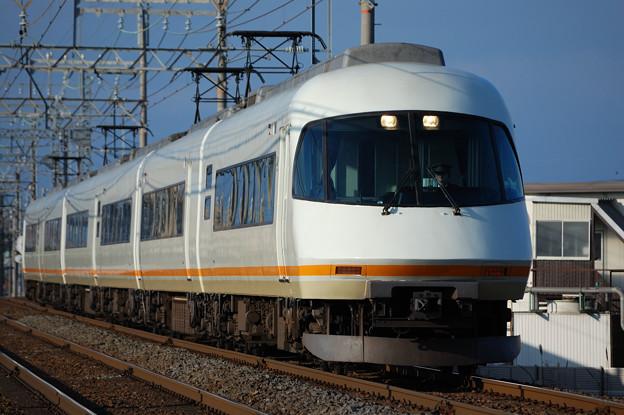 【0012】21000系 アーバンライナーplus