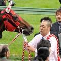 Photos: [140329中山11R日経賞]ウインバリアシオン「こんだけ人いても、たぶん、無理っぽいなぁ・・・」(遠い目)