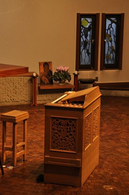 聖グレゴリオの家聖堂の電子オルガン