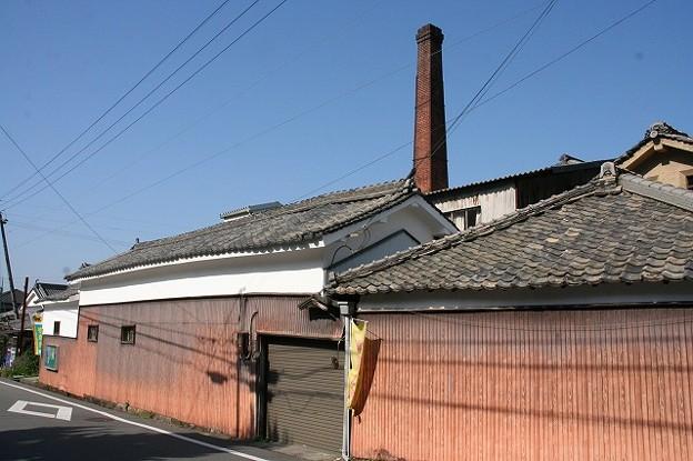 酒造会社の建屋と煙突