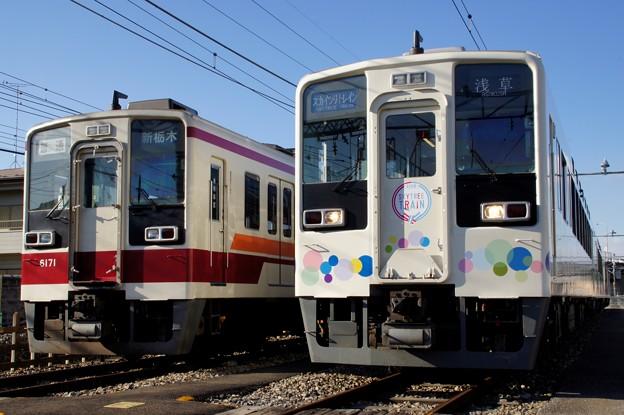 東武634型とその種車6050系の並び
