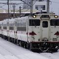 写真: キハ40形八戸線普通列車