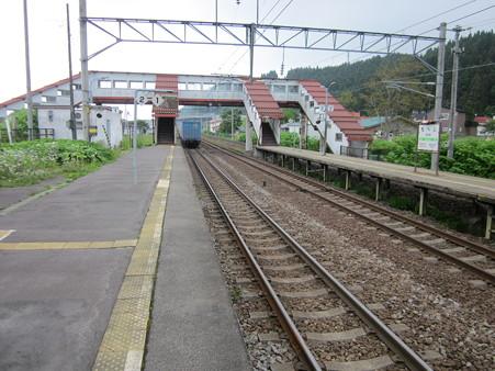 茂辺地駅1