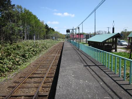 月ケ岡駅2