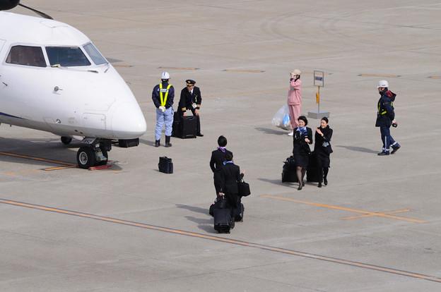 クルーの交代 ANA1832便 14-03-02 12-44