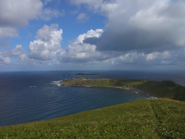 礼文島のゴロタ岬からのスコトン岬