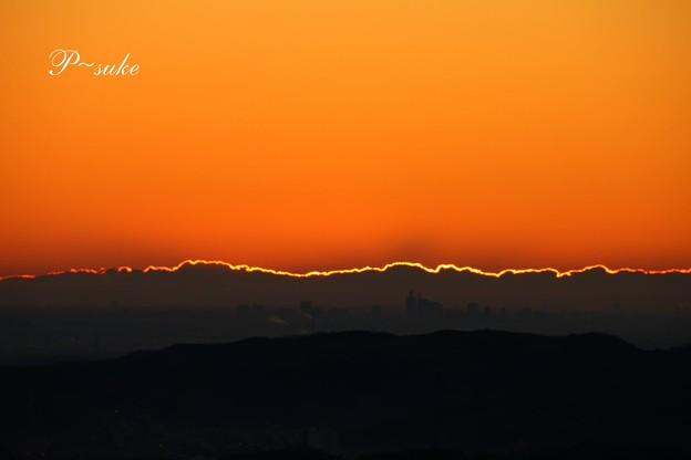 輝く雲の稜線
