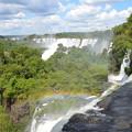 Photos: 手前から奥まですべて滝、虹も見えます
