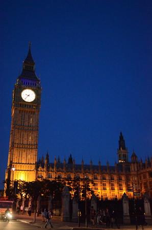夜のビッグ・ベン(英国国会議事堂)