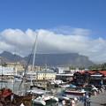 Photos: 港周辺は洗練されています