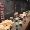写真: アフリカ博物館。貴重そうな石がいっぱい