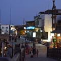 写真: ダハブの夜。夜でもたくさんひとが歩いてます