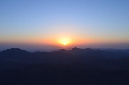 シナイ山からの日の出