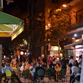 写真: 夜のエルサレム新市街。モダンな雰囲気