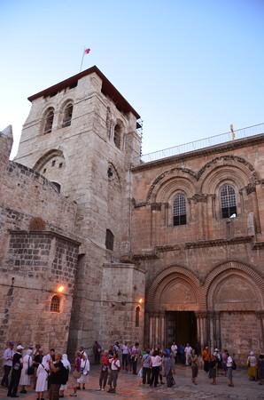 聖墳墓教会。イエスが磔にされたゴルゴダの丘とされる場所に建つキリスト教の聖地