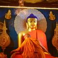 写真: マハーボディー寺院のブッダ像