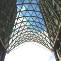 写真: 愛知大学 新名古屋キャンパス:校舎間にあるガラス屋根 - 10