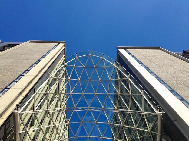 愛知大学 新名古屋キャンパス:校舎間にあるガラス屋根 - 11