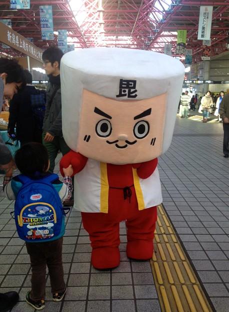 金山駅:上越市観光物産展 - 3(謙信くん)