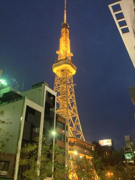 Blossa(ブロッサ)から見上げた夜の名古屋テレビ塔 - 1