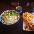丸亀製麺:「スダチおろし冷かけうどん」と野菜のかき揚げ、かしわ天 - 2