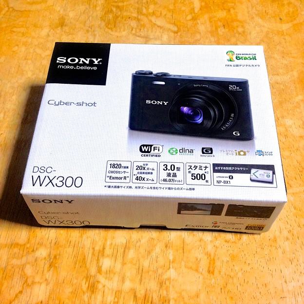 SONY DSC-WX300の箱に「FIFA 公認デジタルカメラ」!? - 2
