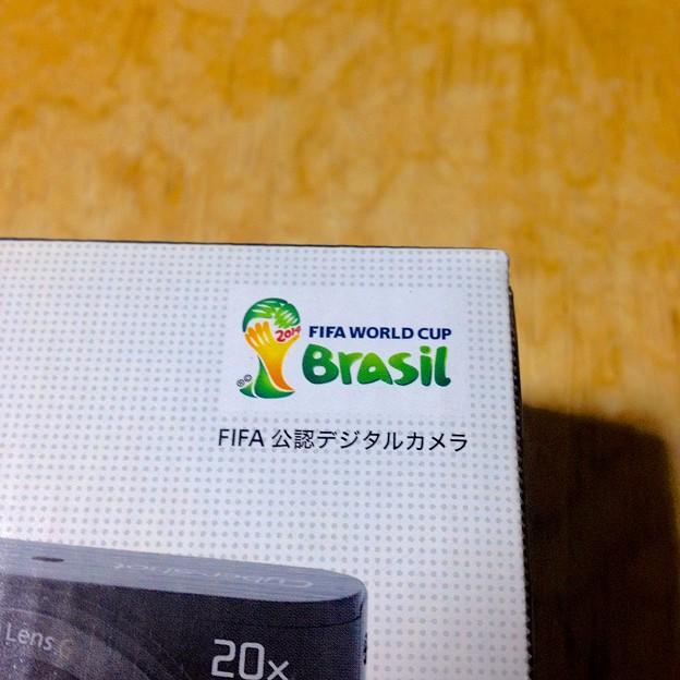 SONY DSC-WX300の箱に「FIFA 公認デジタルカメラ」!? - 1