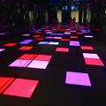 写真: ルーセントタワー地下1階「サンクンガーデン」の光る床 No - 5