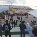 写真: 名古屋港水族館ペンギンよちよちウォーク 2013年12月 No - 02:会場となる「しおかぜ広場」