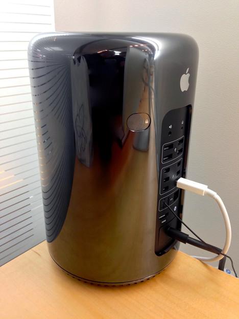 新型Mac Pro No - 4:背面
