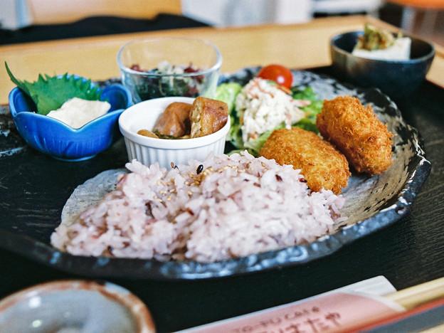 コロッケ定食(古代米)