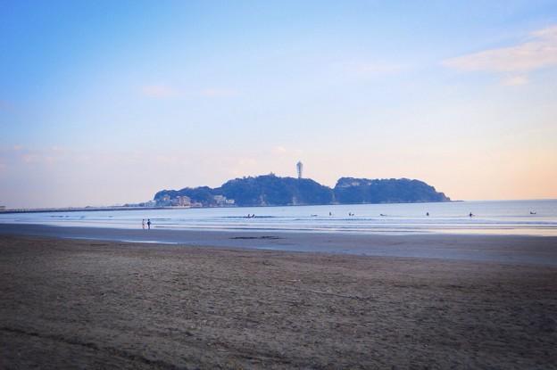 湘南・鵠沼海岸からの江ノ島 #湘南 #藤沢 #海 #波 surfing #wave #夕焼け #mysky