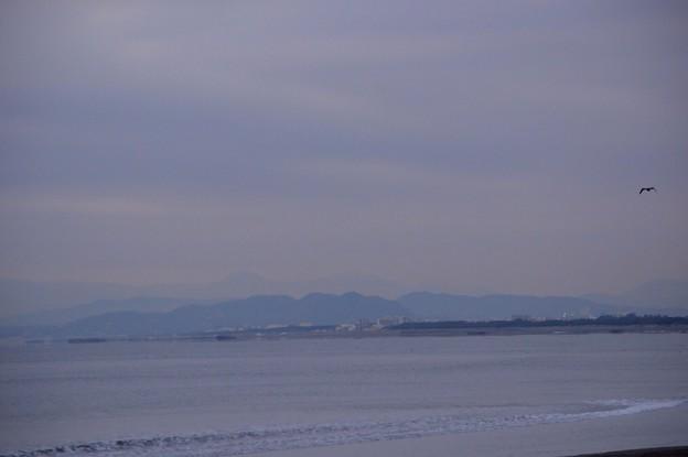 今朝も見えない湘南・鵠沼海岸からの富士山 #湘南 #藤沢 #海 #波 surfing #wave #mysky