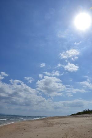 砂浜と太陽@伊江島 [10/20]