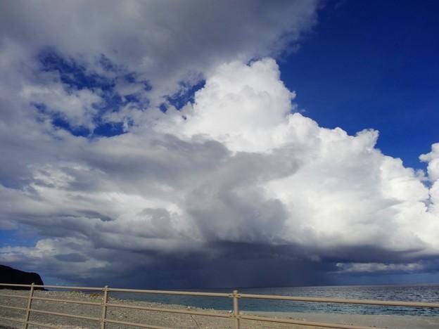 そびえ立つ雄大積雲