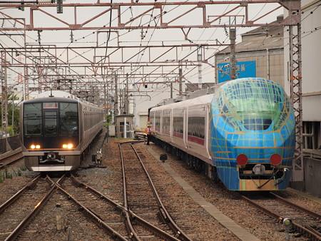 E657系と321系 徳庵駅