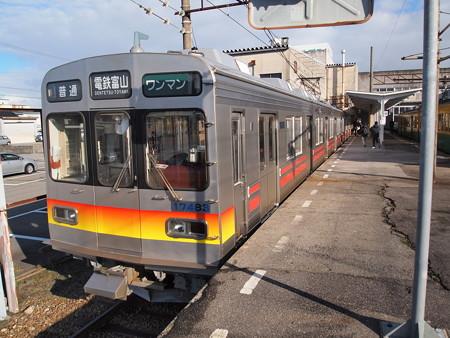 富山地鉄17480系富山地鉄本線上市駅