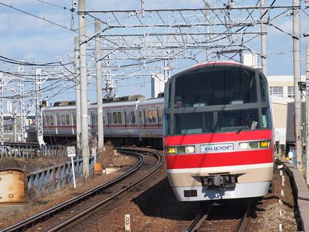 名鉄1000系特急 名鉄名古屋本線東枇杷島駅
