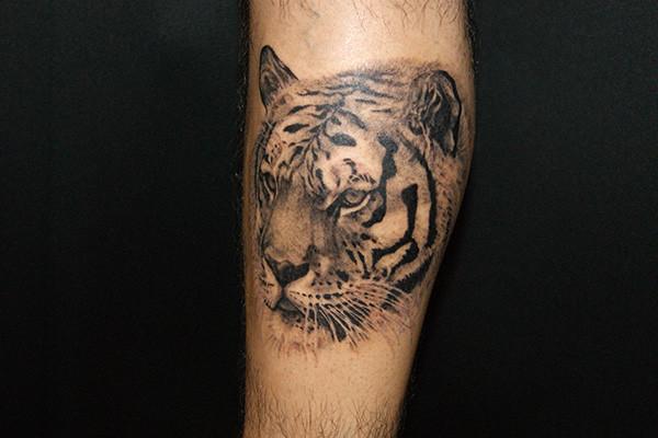 虎のタトゥー