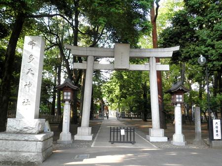 布多天神社-01a鳥居と参道