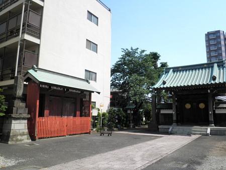 蓮慶寺(布田)-02赤門と山門