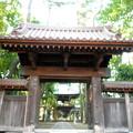 泉龍禅寺(狛江)-02山門・鐘楼(奥)
